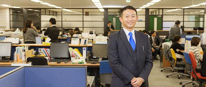 山本裕(営業部・大阪支店・支店長 2003年入社)